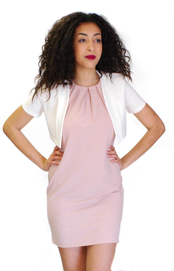 Coprispalle Artigli ed abito rosa