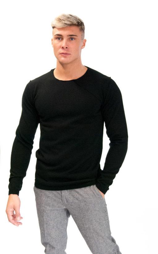 BESILENT- maglione girocollo nero taglio vivo